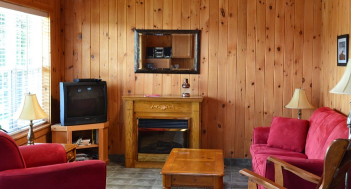 Pomquet Beech Cottages: Deer Den Living Room