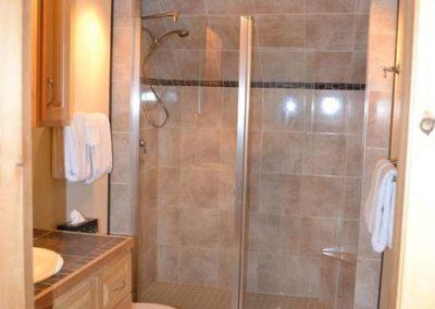 Pomquet Beach Cottages - Lovely Loft Apartment - Large Shower